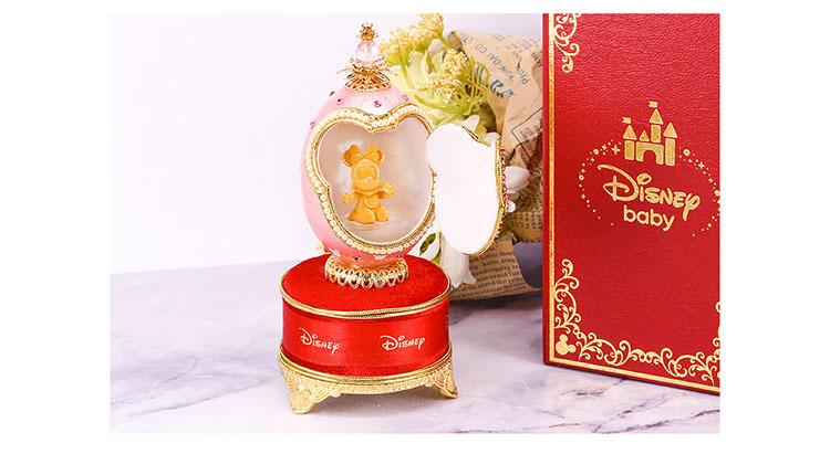 迪士尼黃金蛋雕有炫彩燈光讓米妮更有夢幻感